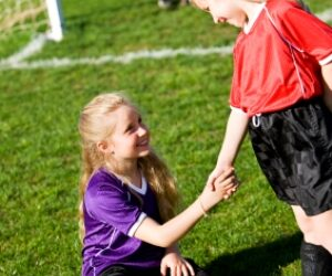 Teaching Kids Sportsmanship Both On & Off the Field